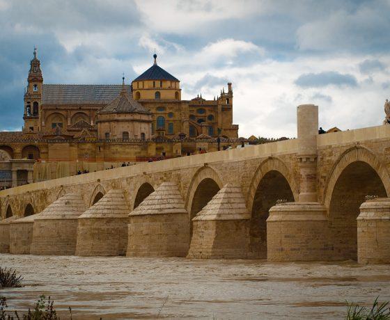 Puente_romano_y_mezquita